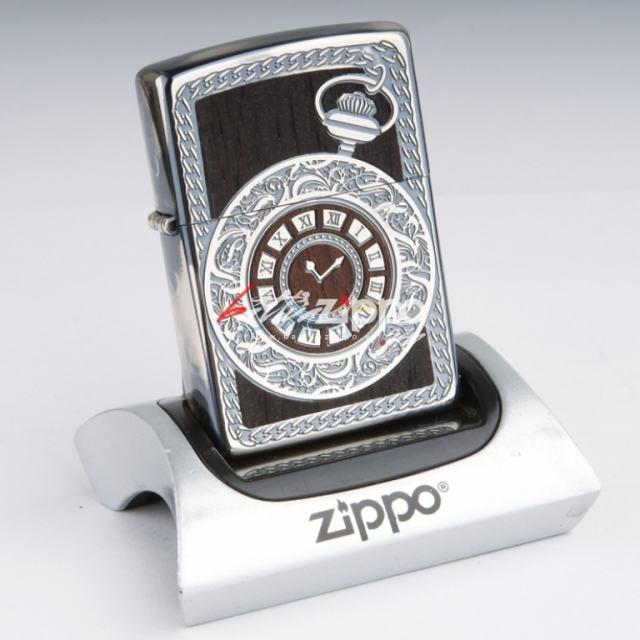 Bật lửa Zippo khắc họa tiết đồng hồ cổ